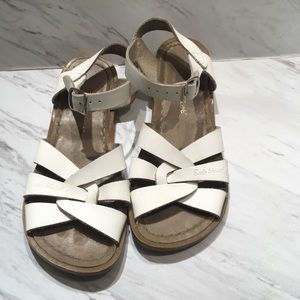 Saltwater sandals by hoy white